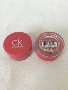 Calvin Klein Ultimate Edge Lip Gloss Pot (Shades Of Pink) x 12 (£0.80 each) - Fizzy Peach Ltd