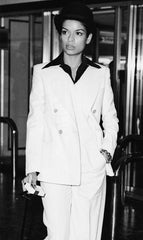 How to wear a vintage suit like Bianca Jagger