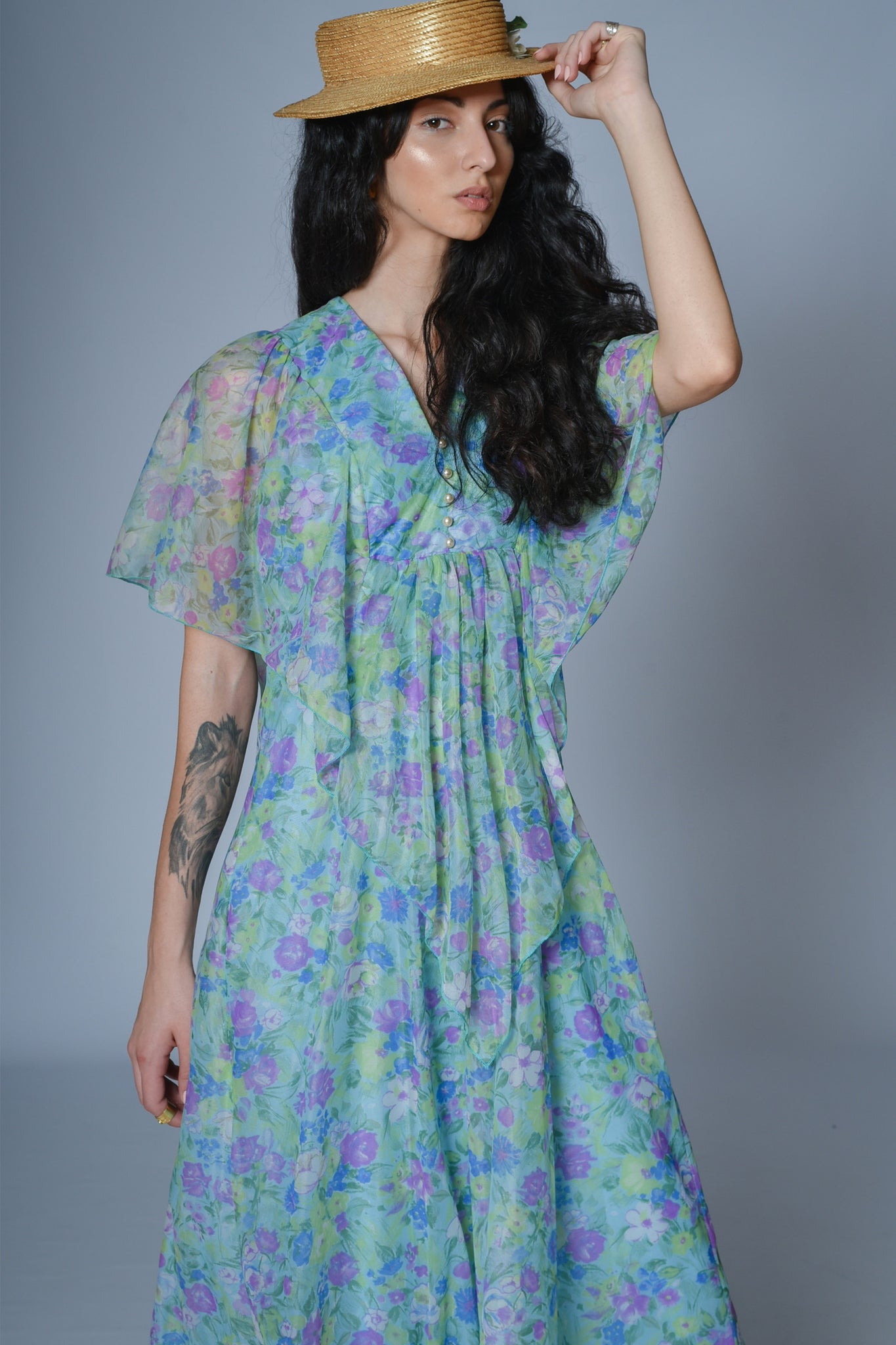 Floral vintage maxi dress with short sleeves