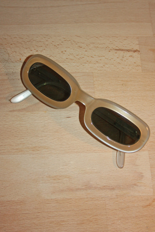 Vintage 90's Moschino sunglasses - SoLovesVintage