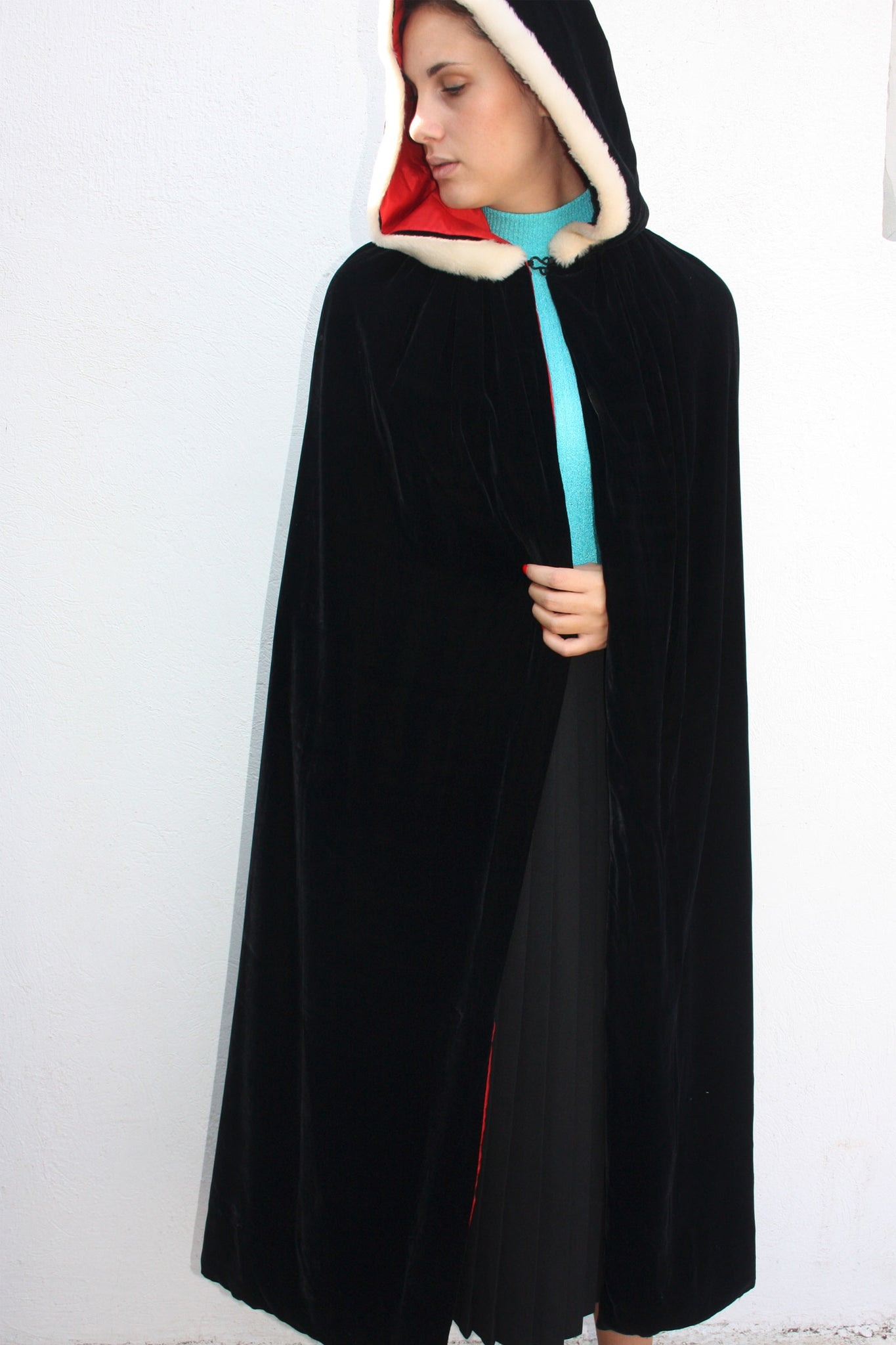 Black vintage cape velvet - Shop SoLovesVintage
