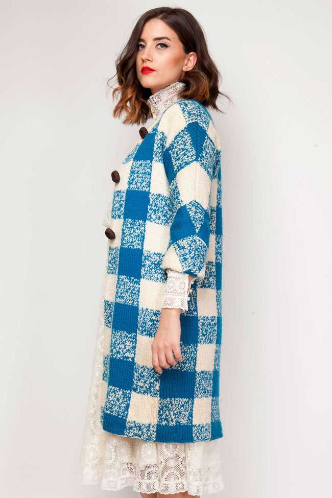 Lacey coat - www.solovesvintage.com