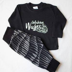 Making Waves (Black)