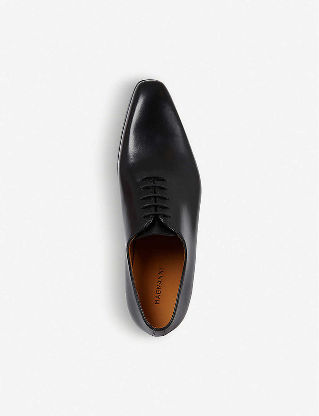 Wholecut leather Oxford shoes
