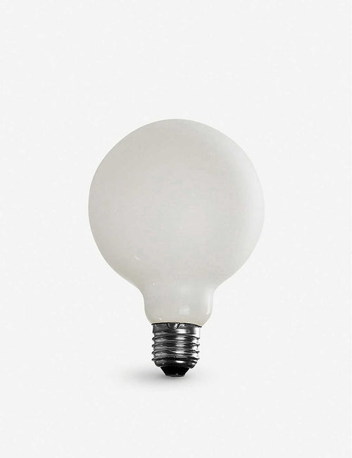 Lucina LED light bulb