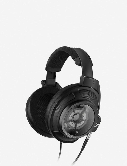 HD 820 Closed-back Headphones