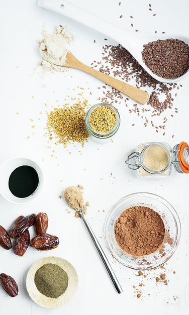 Ingredients for Dr Gaye Super-Shake (original): Flax seed, Cacao powder, Maca, Bee pollen, Lucuma, Camu Camu, Seagreens® ascophyllum, Spirulina, Chlorella