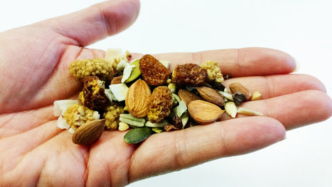 Dr Gaye Super-Spoonful - raw, natural, organic, trail mix, mulberries, apricot kernels, seeds, cacao nibs, coconut chips