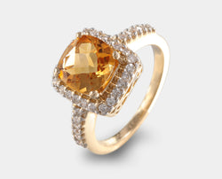 Anillo oro amarillo con citrina corte cushion y diamantes