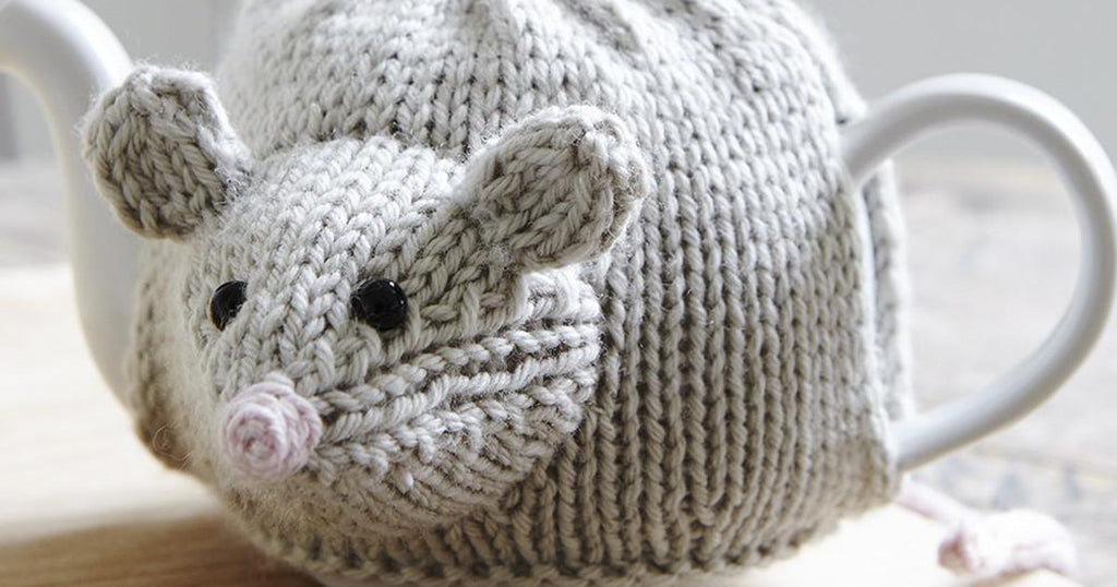 Knitted Mouse Tea Cozy