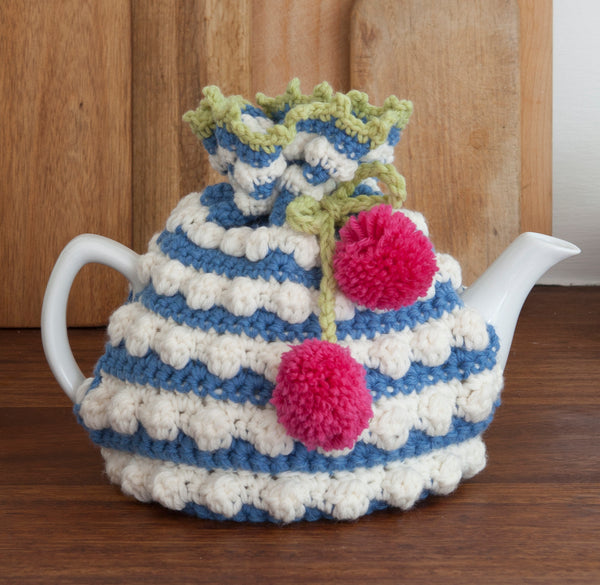 Crocheted tea cosy pattern by Nicki Trench