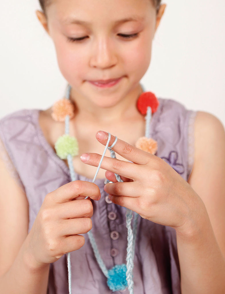 finger knitting pom pom necklace