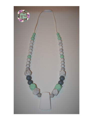 The Alzora Teething Necklace