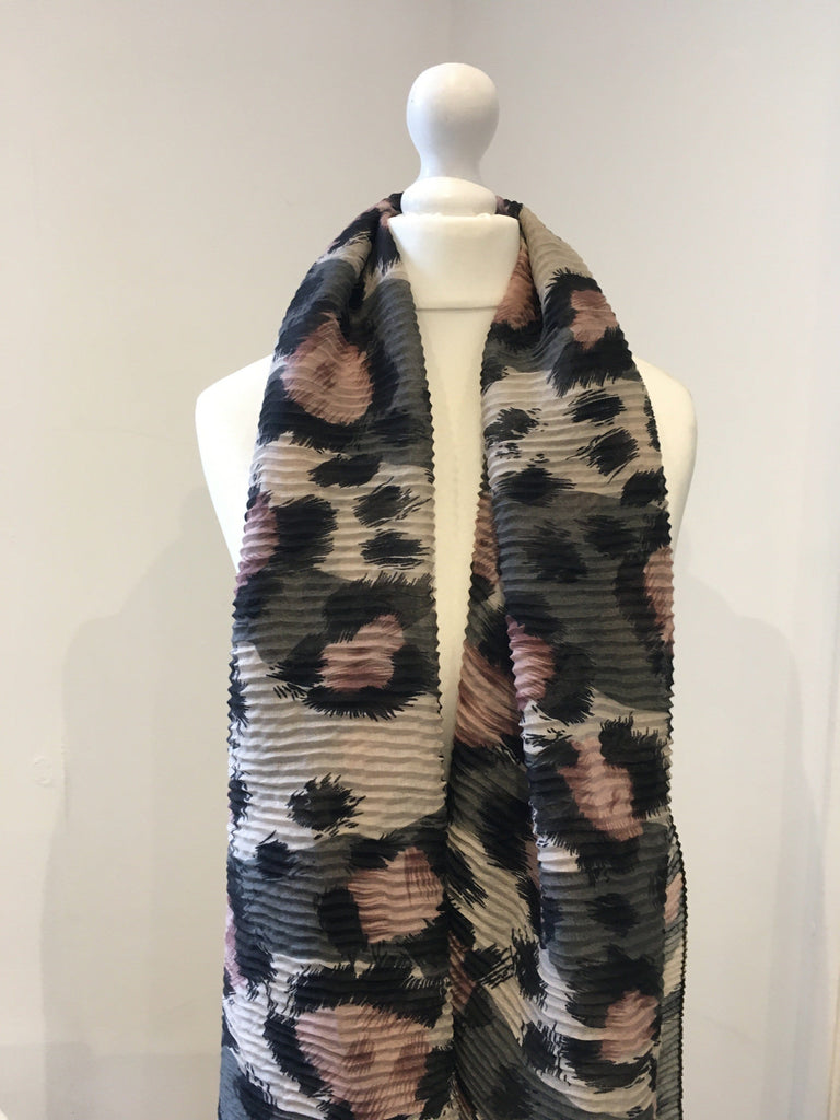 Large Leopard Print Scarf Pink