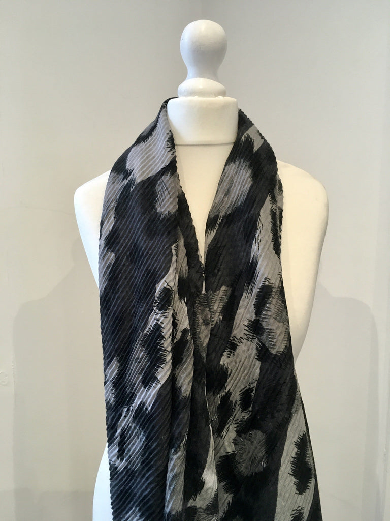 Large Leopard Print Scarf Grey
