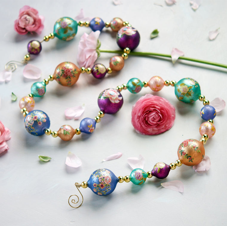 Parisian Pattern Ball Garland