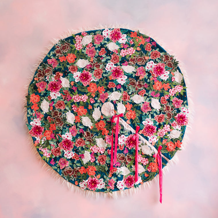 Ring Around the Posies Tree Skirt