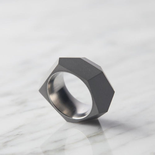 Concrete Ring - faceted