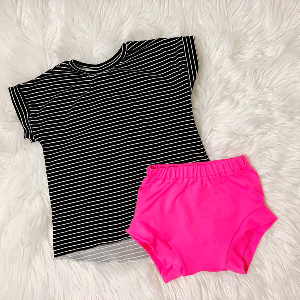 monochrome-stripe-tee-top-and-pink-bummies-shorts-for-girls-instagram-baby-fashion-outfit