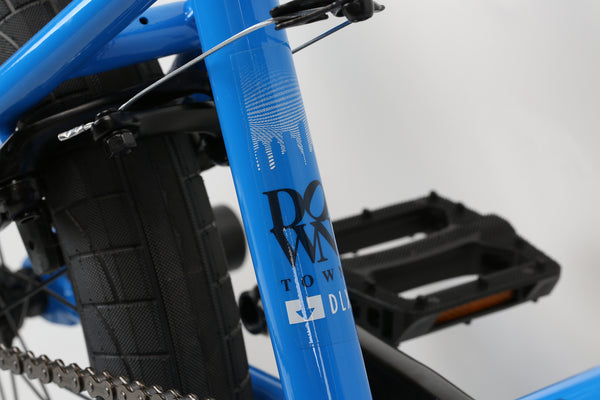 2020 Haro Downtown DLX Vivid Blue Detail 3.