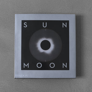 Sun and Moon: A Story of Astronomy, Photography and Cartography - Mark Holborn