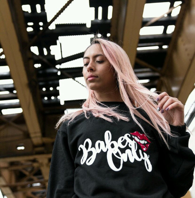 Babes Only, Signature Black, Crewneck