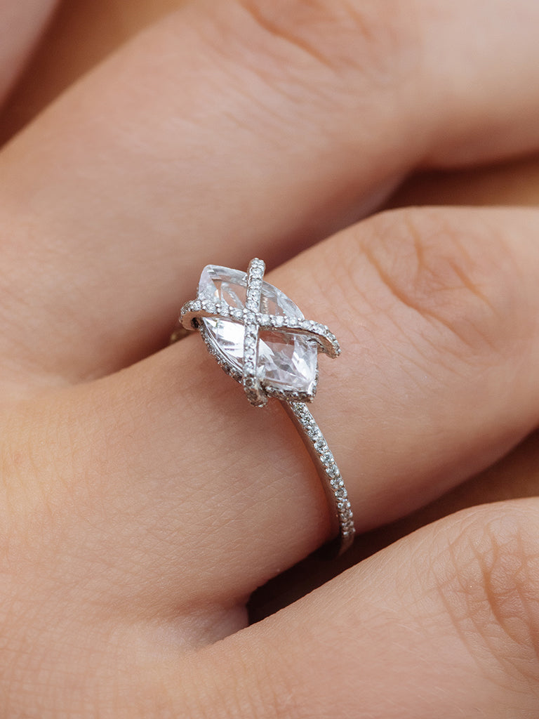 style moissanite white in flake gold snow for engagement diamond colorless rings jewelry real carat wedding solid ring statement item from pure bridal