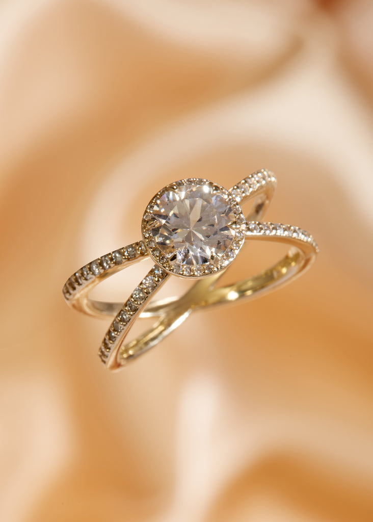 The Cleo Ring Setting with Pavè (Round)