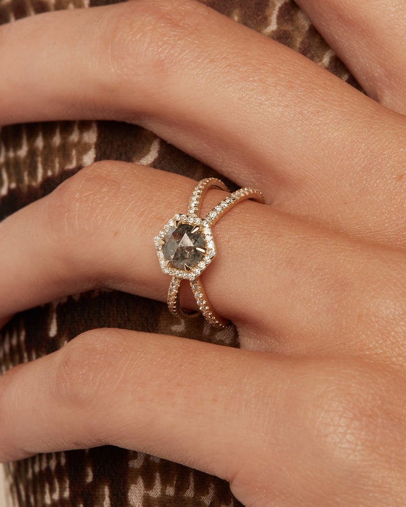 The Ophelia Ring X Band Setting- Salt and Pepper Diamond