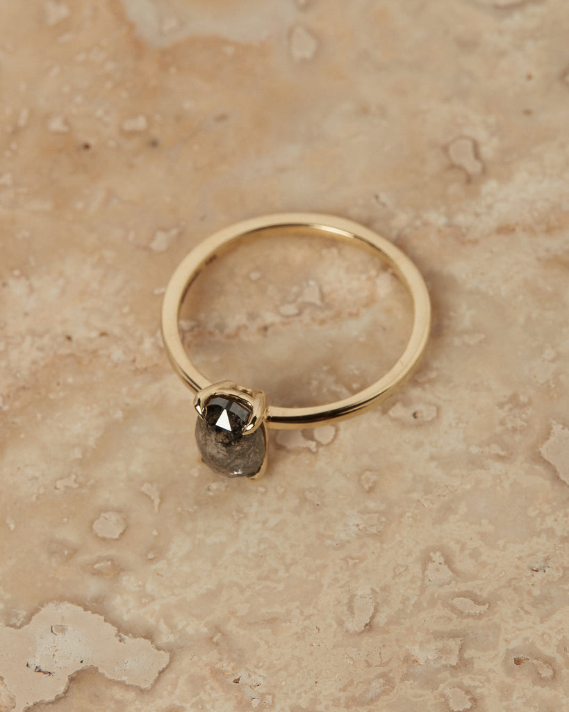 The Stella Ring Setting (Oval Salt + Pepper)