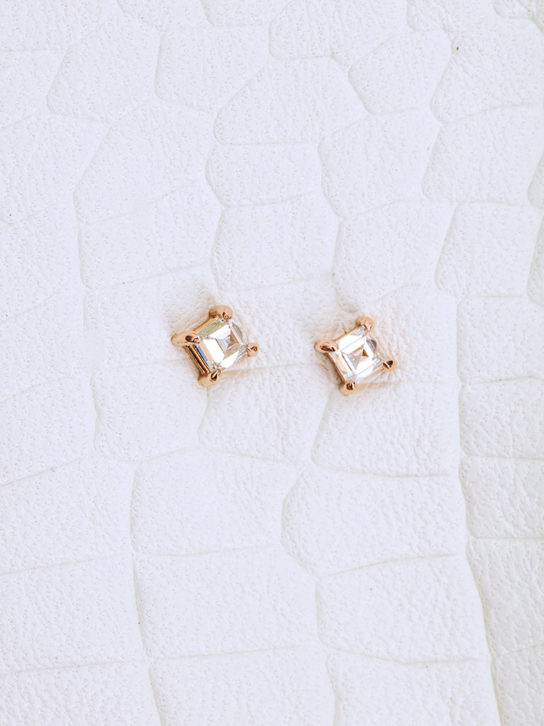 The Carre Pyramid Diamond Studs