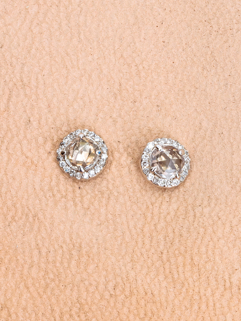 stud diamond product flat buy round earrings abelini setting prong