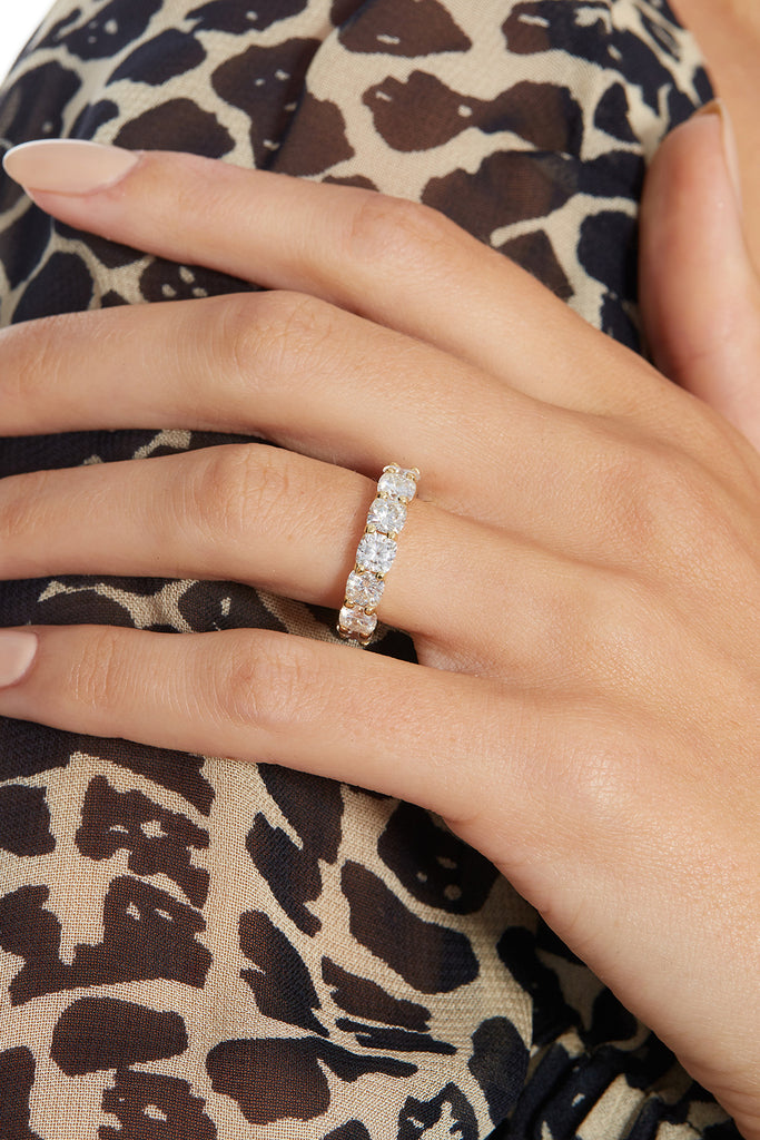 The Ballier Ring- Cushion Cut 4.5 mm