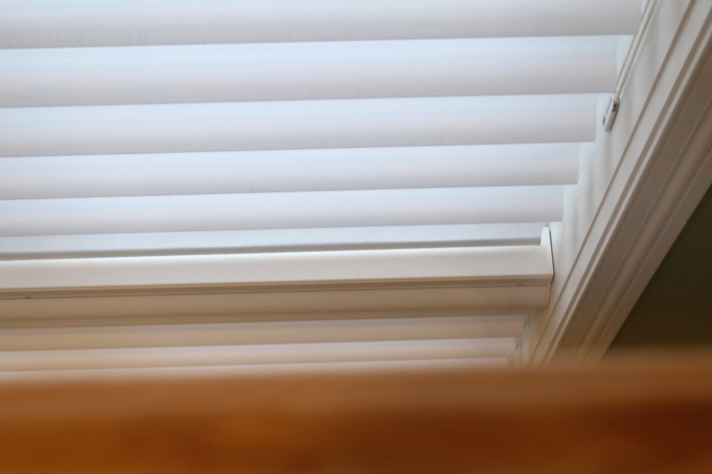 How to hang blinds on vinyl windows