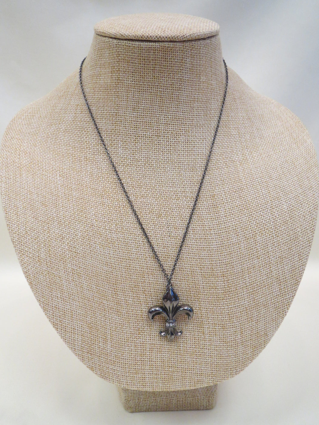 ADO | Black Chain with Fleur De Lis Pendant - All Decd Out