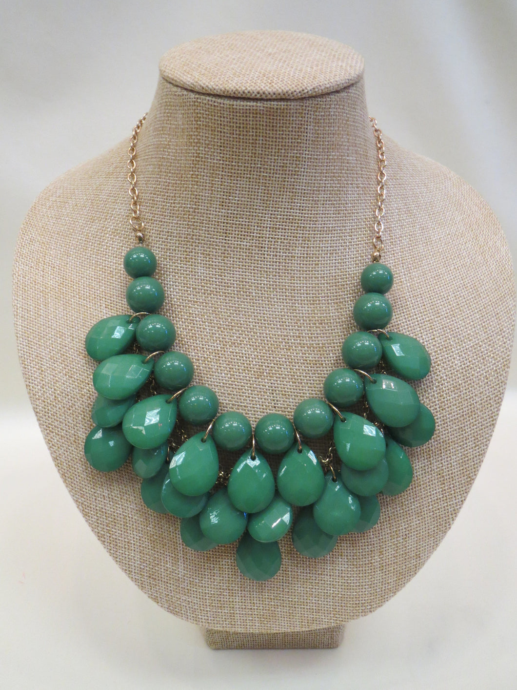 ADO | Green Fashion Necklace - All Decd Out