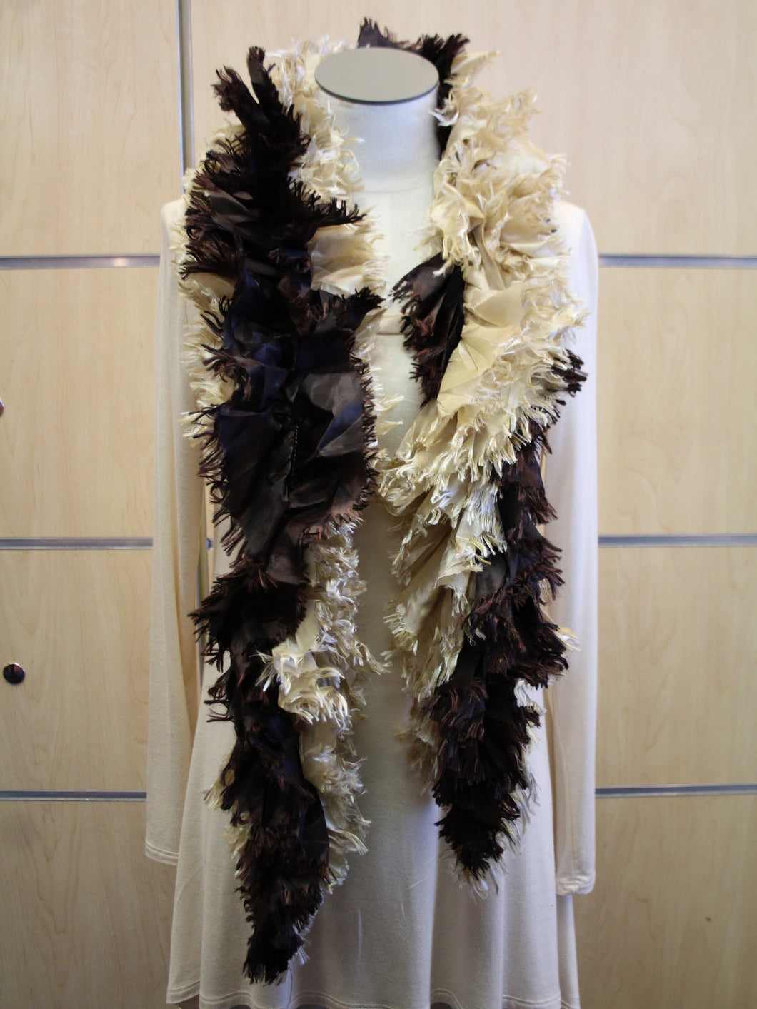 ADO | Wrap Ruffle Scarf Brown & Cream