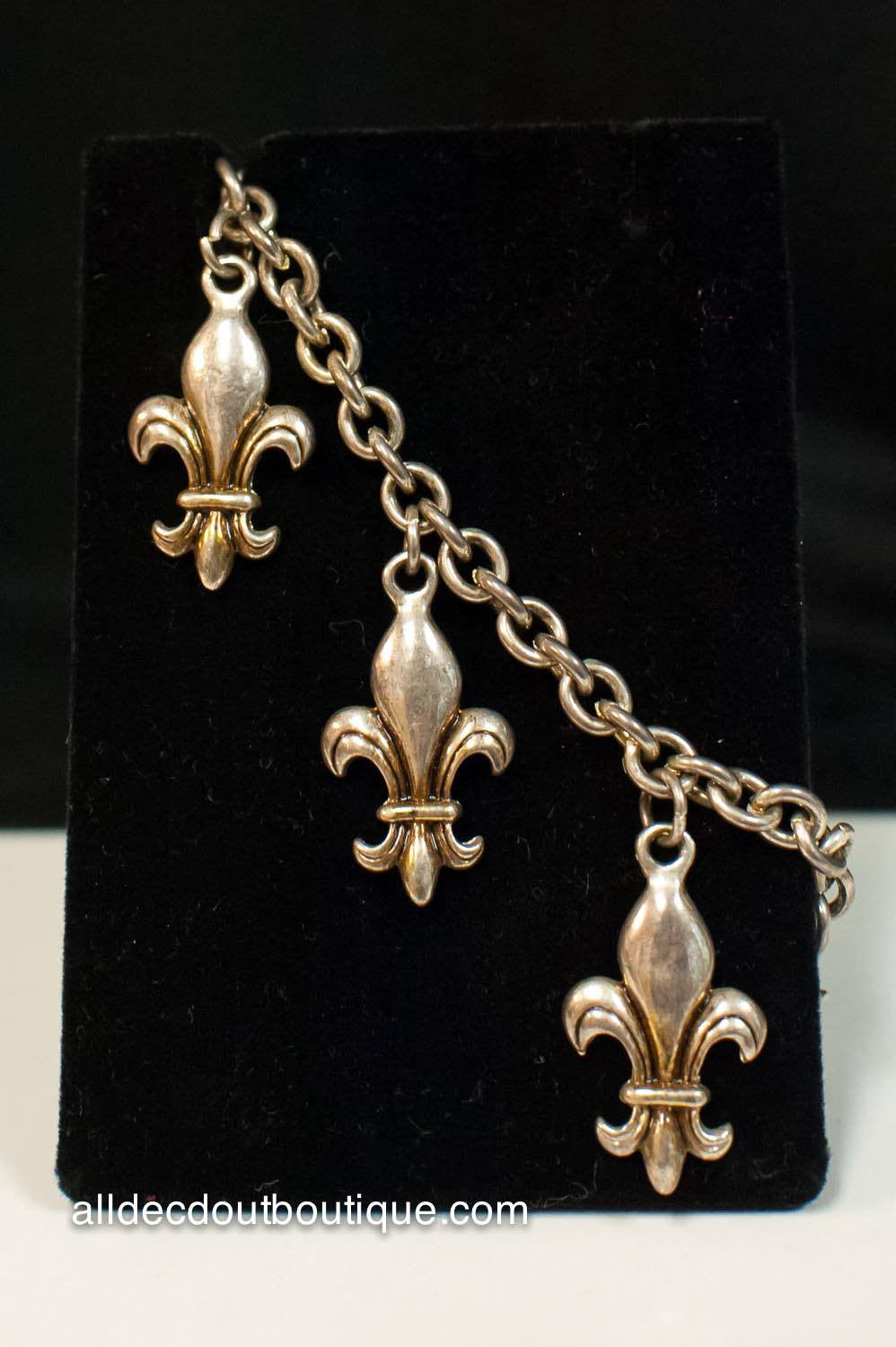 ADO | Silver Metal Fleur De Lis Charm Bracelet with Adjustable Clasp