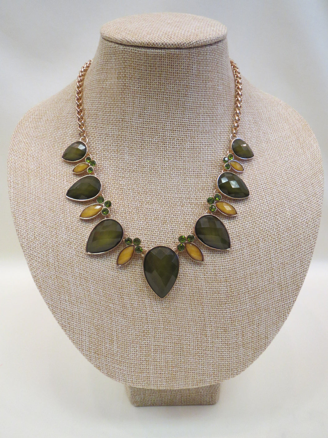 ADO | Teardrop Green & Gold Necklace - All Decd Out