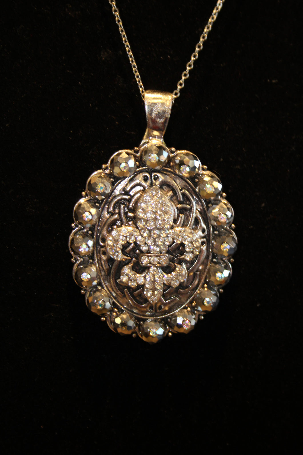 ADO | Embellished Fleur De Lis Pendant Silver - All Decd Out