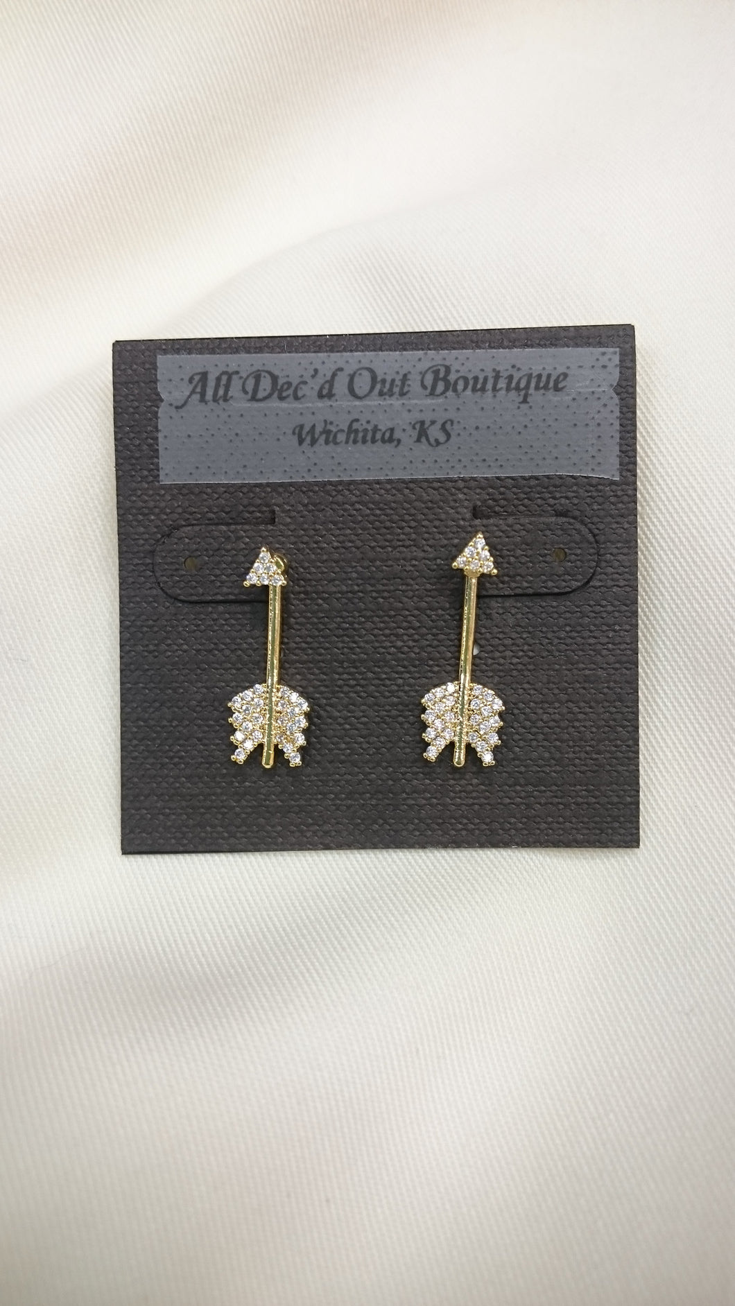 ADO | Peekaboo Arrow Earrings Gold