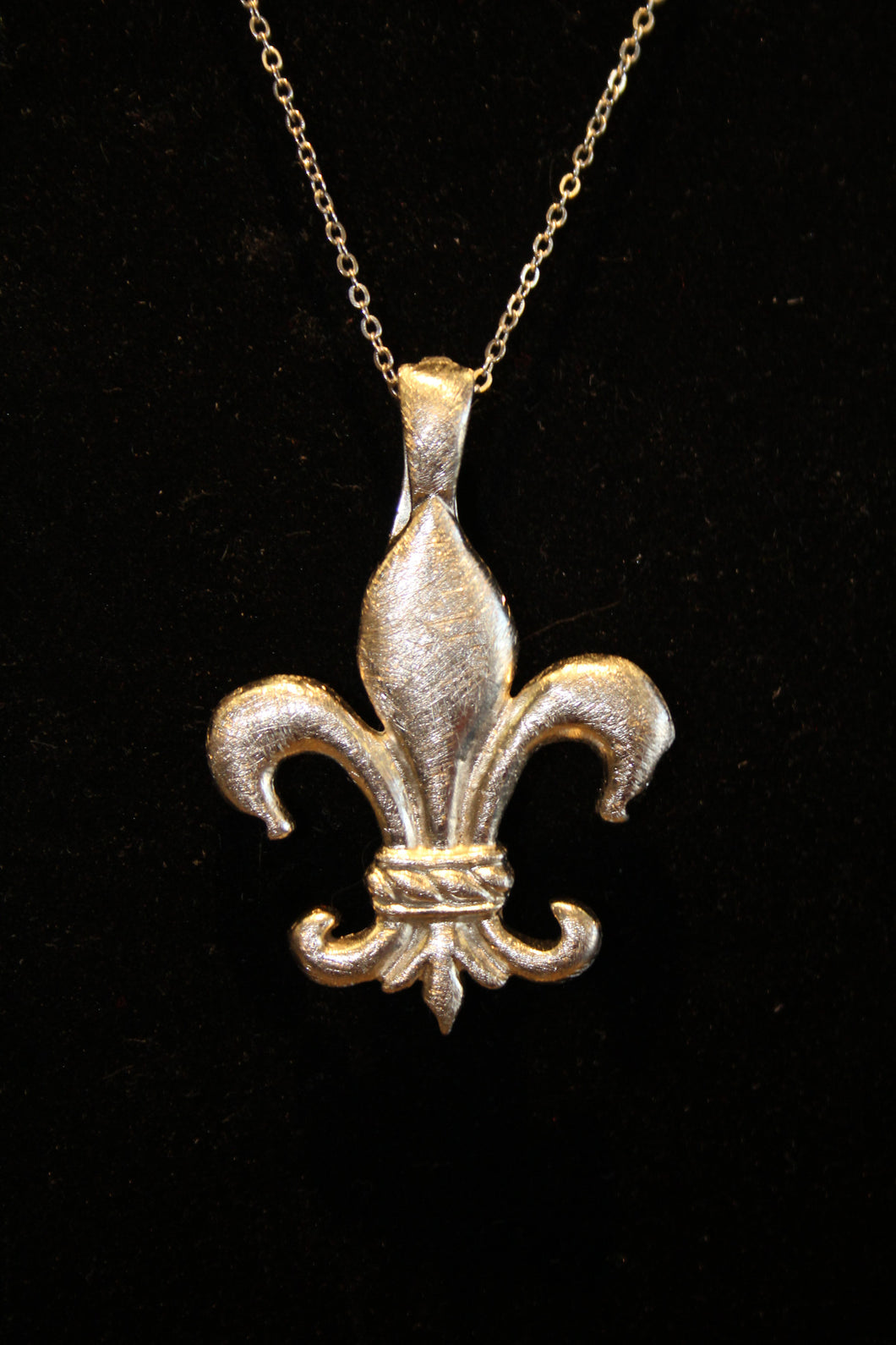 ADO | Brush Metal Fleur De Lis Pendant - All Decd Out