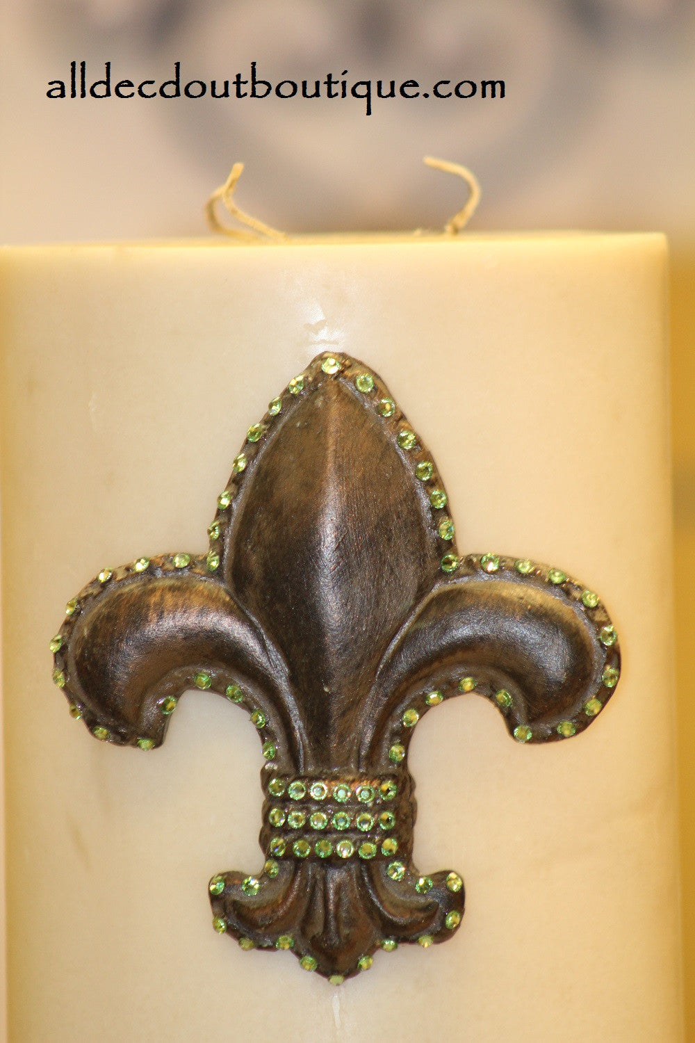 DECORATIVE CANDLE PIN EMBELLISHED | Peridot Crystals Large Fleur De Lis
