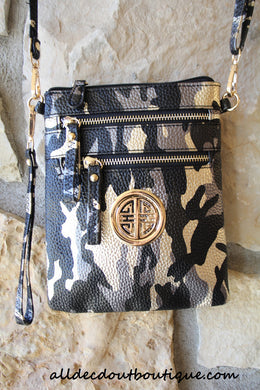 ADO | Camo Messenger Black & Gold - All Decd Out