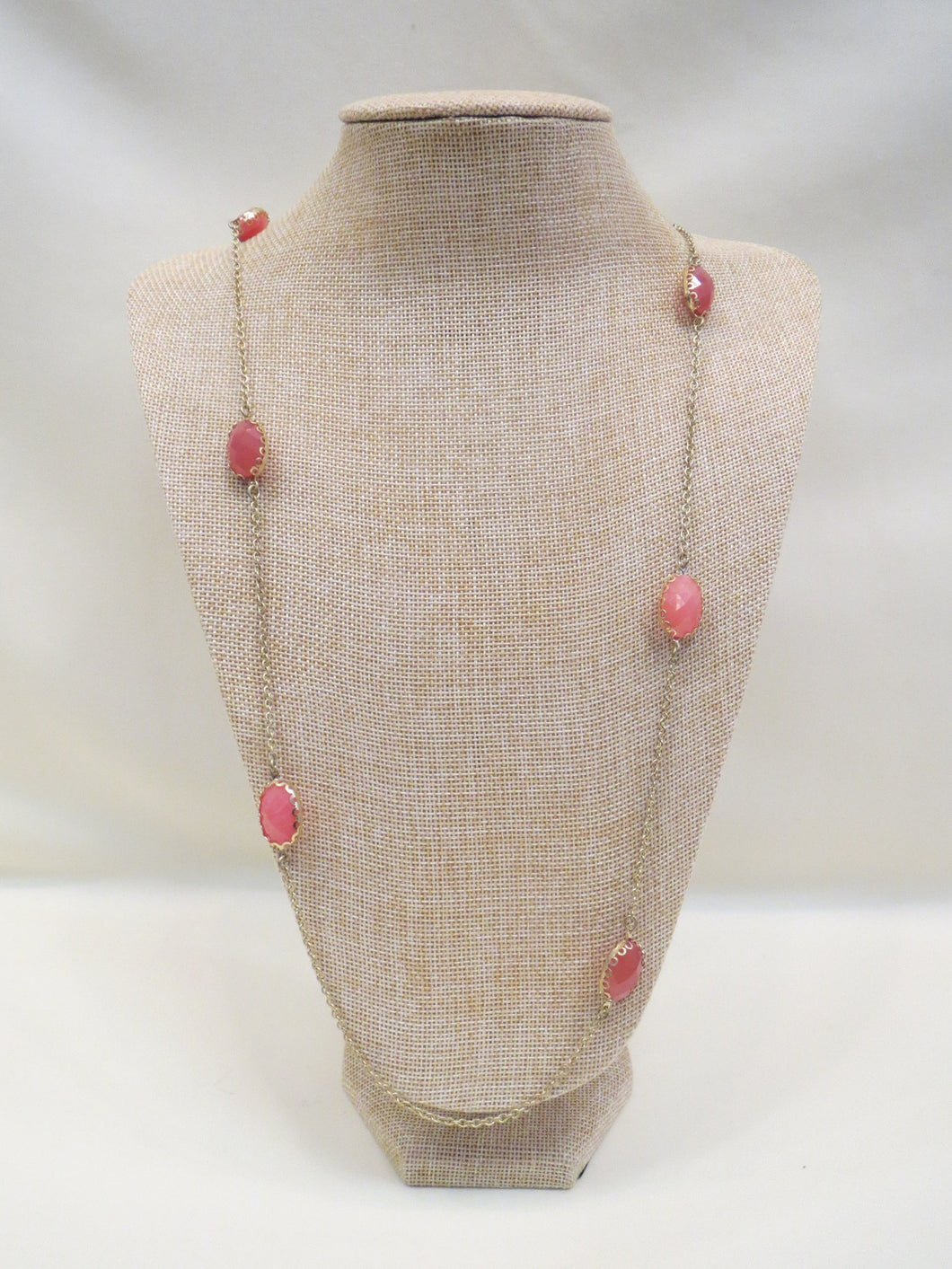 ADO | Coral & Gold Gem Stone Necklace - All Decd Out
