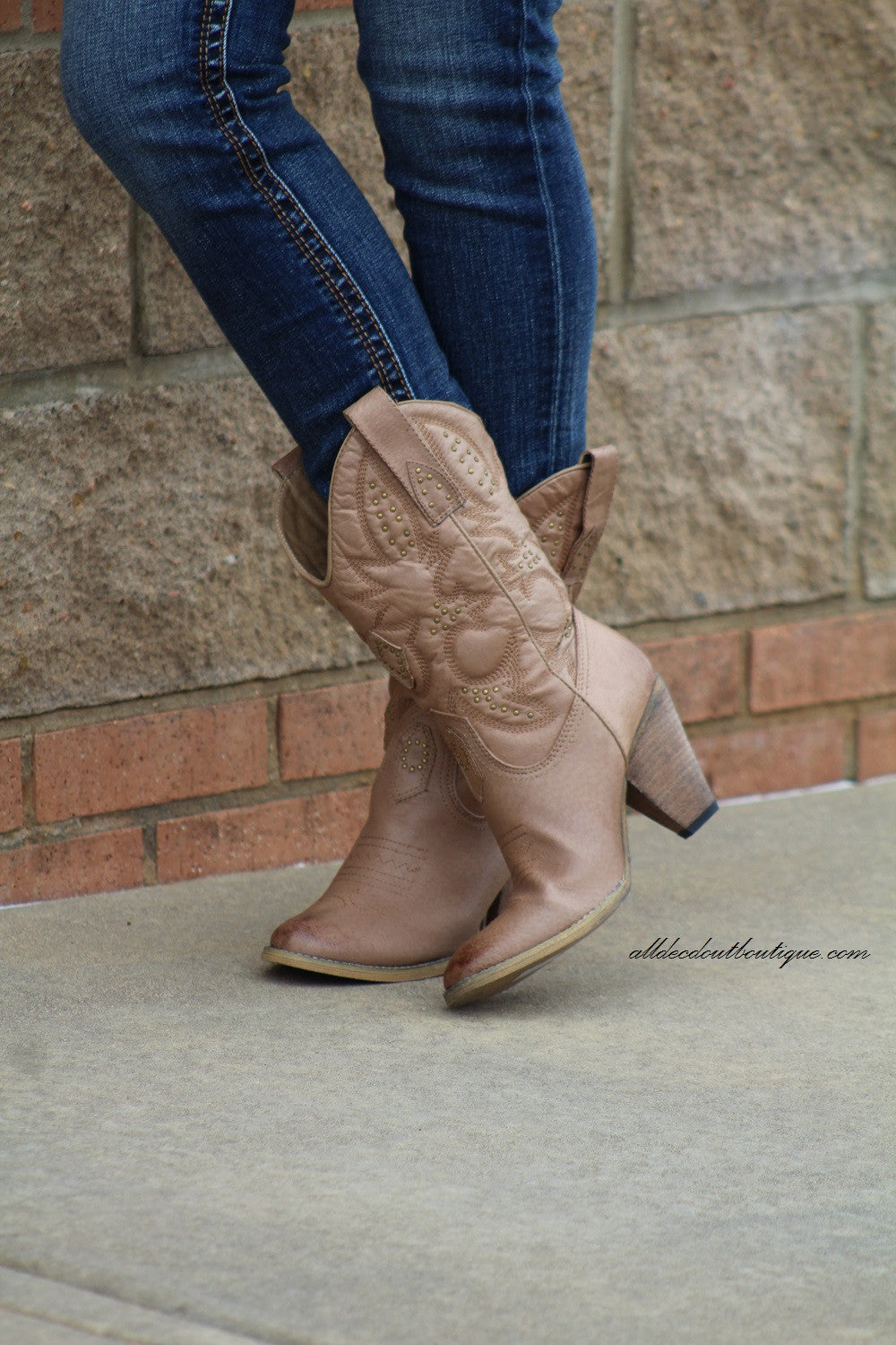 Very Volatile | Boulder Cowgirl Boots Brown