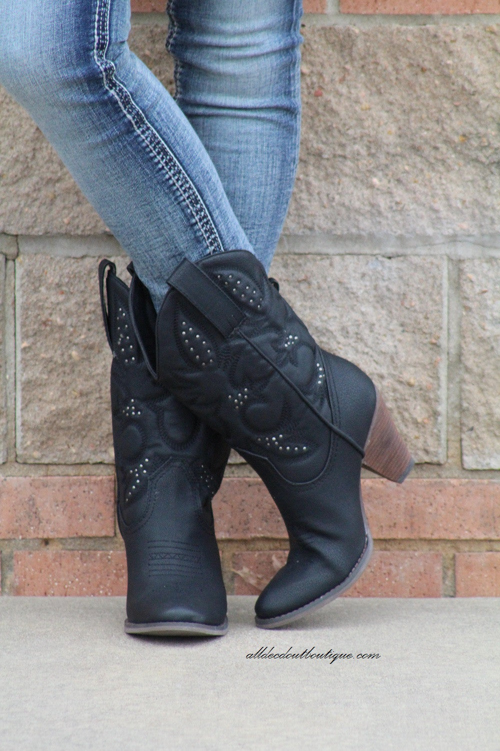 Very Volatile | Dallas Cowgirl Boots Black