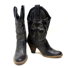 Very Volatile Denver Cowgirl Boots Black/Grey | All Dec'd Out