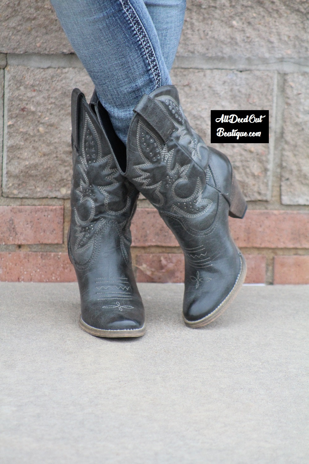 Very Volatile | Denver Cowgirl Boots Black/Grey