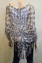 Urban Mango | Crochet Poncho Black & White
